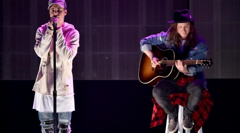 Justin Bieber, acoustic balladeer. Photo by Kevin Winter/Getty Images
