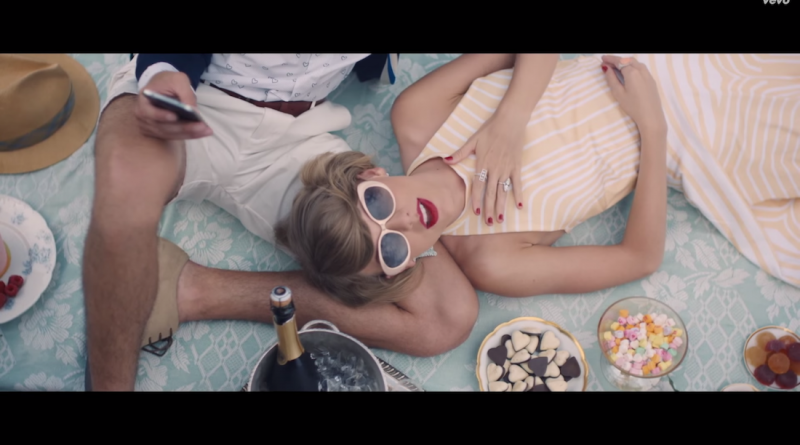 "Is this Taylor Swift's ""Imperial moment""? Still of the video for ""Blank Space"" from YouTube"