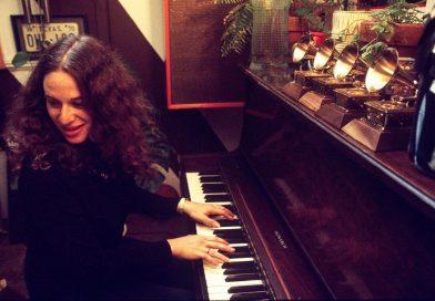 carole-king-piano